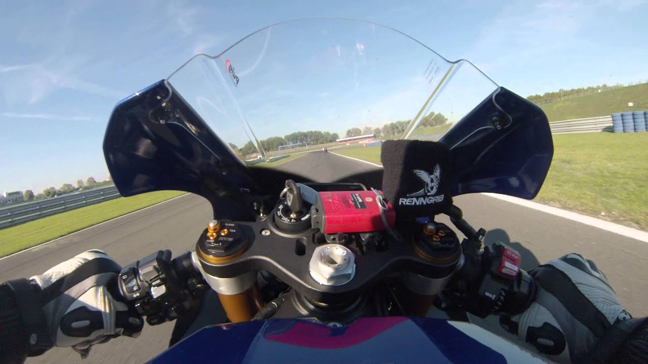 yamaha r1 2015 rn32 onboard oschersleben 1. Black Bedroom Furniture Sets. Home Design Ideas