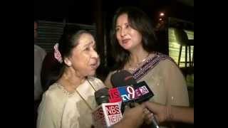Asha Bhosle sings at Poonam Dhillon 50th Birthday Party