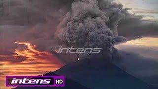 Download Video Erupsi Gunung Agung, Bandara Ngurah Rai Tunda Banyak Penerbangan - Intens 28 November 2017 MP3 3GP MP4