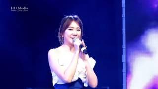 Huong dem bay xa - Hari Won (Liveshow Bình tĩnh sống in Praha 27.10.2016)