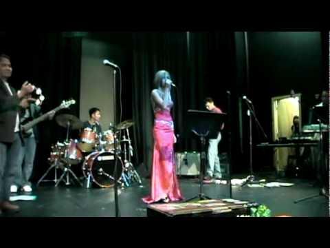 Chhoun Srey Mao - Concert in Edmonton 2009.12.19 (2)