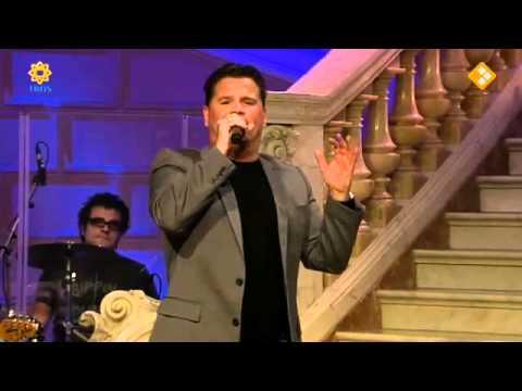 Wolter Kroes zingt 'The alternative way' in De Beste Zangers van Nederland