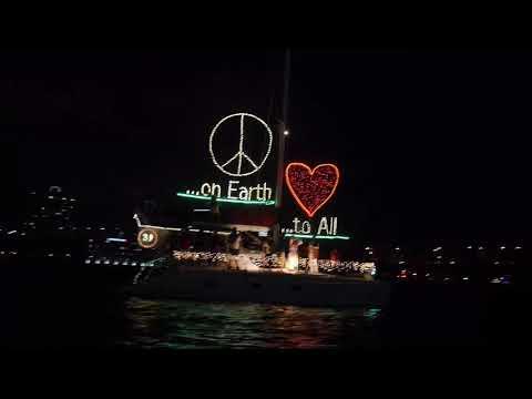 SGC Christmas Boat Parade 2018 - YouTube