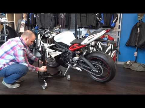 Installation tutorial Power Commander  into a Triumph Daytona  ´ HD (English)