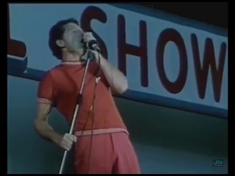 Jerry Lee Lewis - Whole Lotta Shakin' Goin' On (The London Rock N Roll Show, Wembley Stadium   1972)