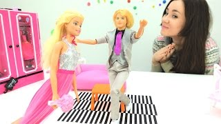 Куклы Монстер Хай и Кукла Барби! Видео для девочек. Barbie (одевалки Барби) собирается на свидание!