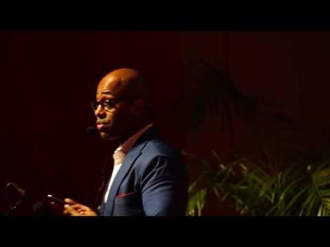 Embrasser la Mésofinance en Afrique | Jean Luc Konan | TEDxAbidjan