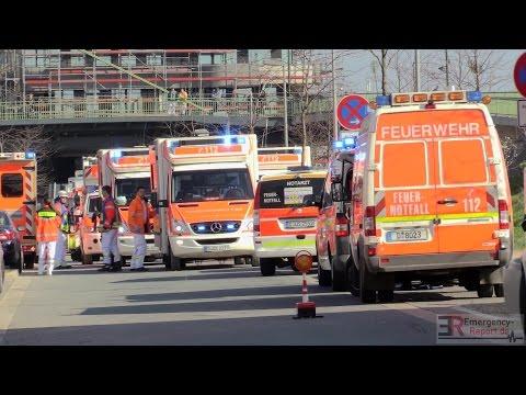 [DRAMATISCHER ARBEITSUNFALL IN DÜSSELDORF] - 2 Tote & 1 schwerstverletzter ~ Betonpumpe umgestürzt -
