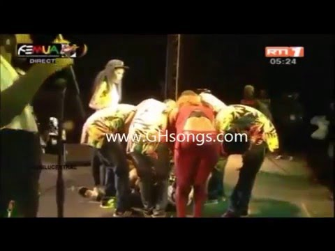 Congo music star Papa Wemba dies after collapsing on stage