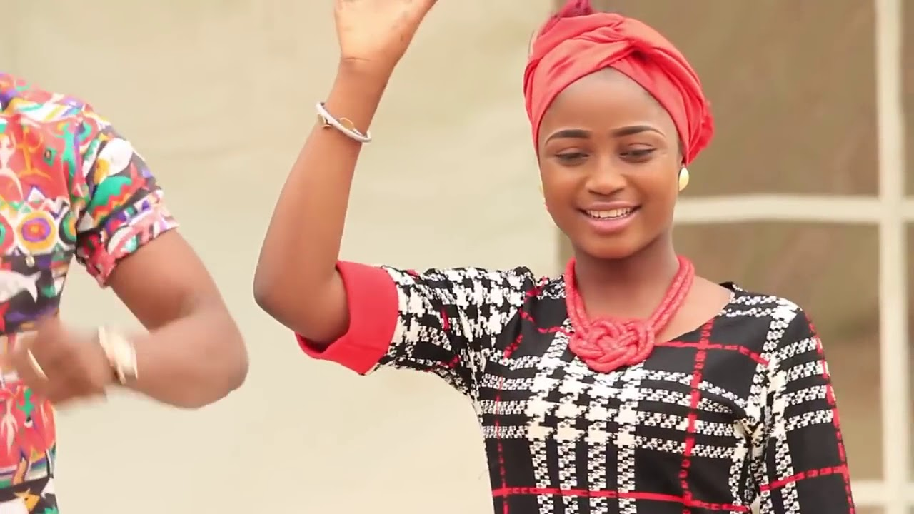 Download IN ANA DARA WAKA Hausa Song