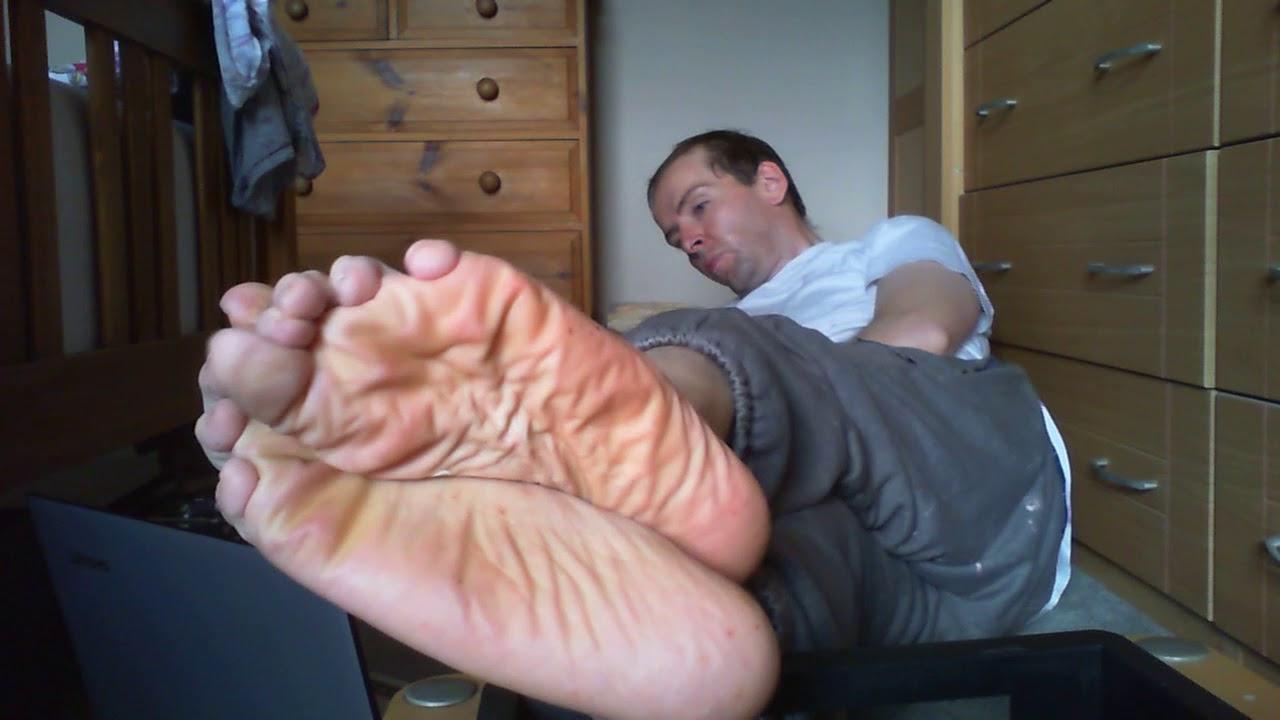 Mature feet stink