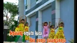 Christina - Sepatu Kaca [Official Music Video]