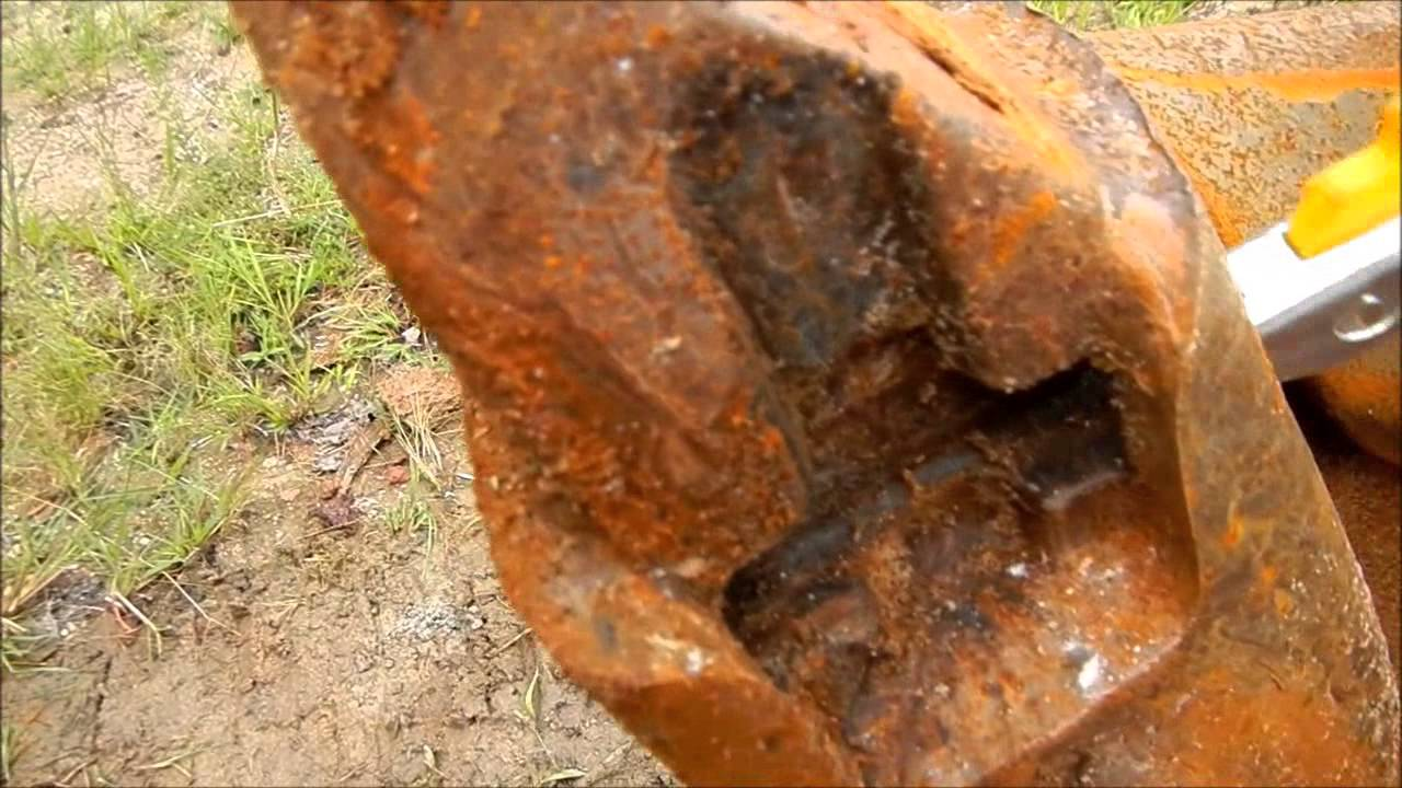 Replacing Excavator Bucket teeth