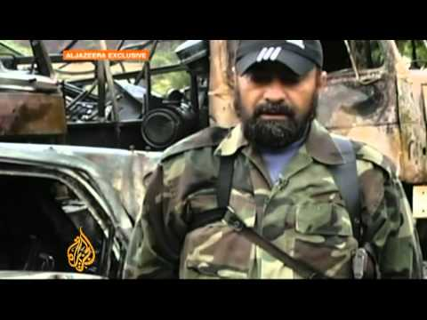 Rebel fighters 'capture' Syrian soldiers