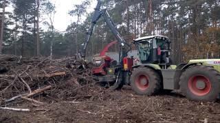 Zrębkowanie biomasy leśnej - ciągnik Claas Xerion