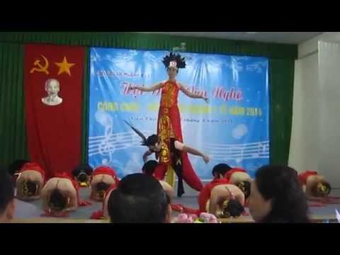 Đơn ca múa :Đất Nước Lời Ru
