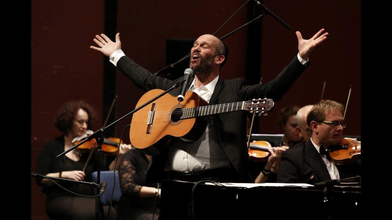 יונתן רזאל והתזמורת הסימפונית ראשון לציון // אשא עיניי - LIVE (שלמה קרליבך)