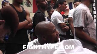 Video ADRIEN BRONER ENTERTAINS FLOYD MAYWEATHER WHILE SPARRING AT THE DOGHOUSE download MP3, 3GP, MP4, WEBM, AVI, FLV Agustus 2017