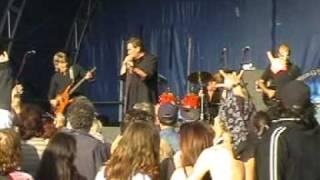 The Troggs Wild Thing live Basildon 2005