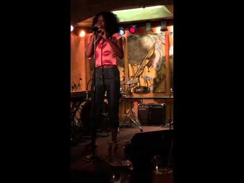 "Emeli Sande's ""Daddy"" performed LIVE at Ashford and Simspon's Sugar Bar"
