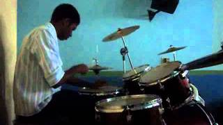 Édipo's drum Solo : Playing drum n' bass LOL  :D (only drums)