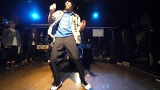 こーーーじ(DOWNTOWN BOUNCE) JUDGE DEMO アシサバキ vol.2 FREESTYLE FOOT MOVE DANCE BATTLE thumbnail