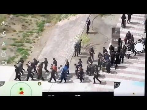 لقطات لنقل مئات السجناء المسلمين في الصين  - نشر قبل 3 ساعة