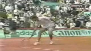Guga X Michael Russel - Roland Garros 2001 - www.grandesjogosdetenis.com