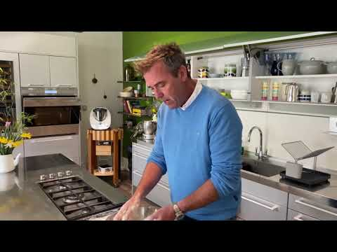 A Taste of Ireland, with Kevin Dundon | Irish Scones