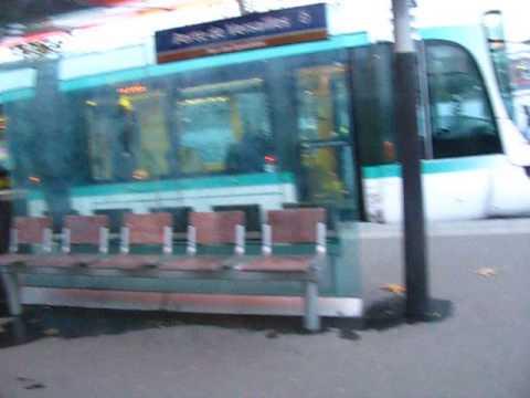 Station Porte de Versailles de la ligne de tramway T2 à Paris