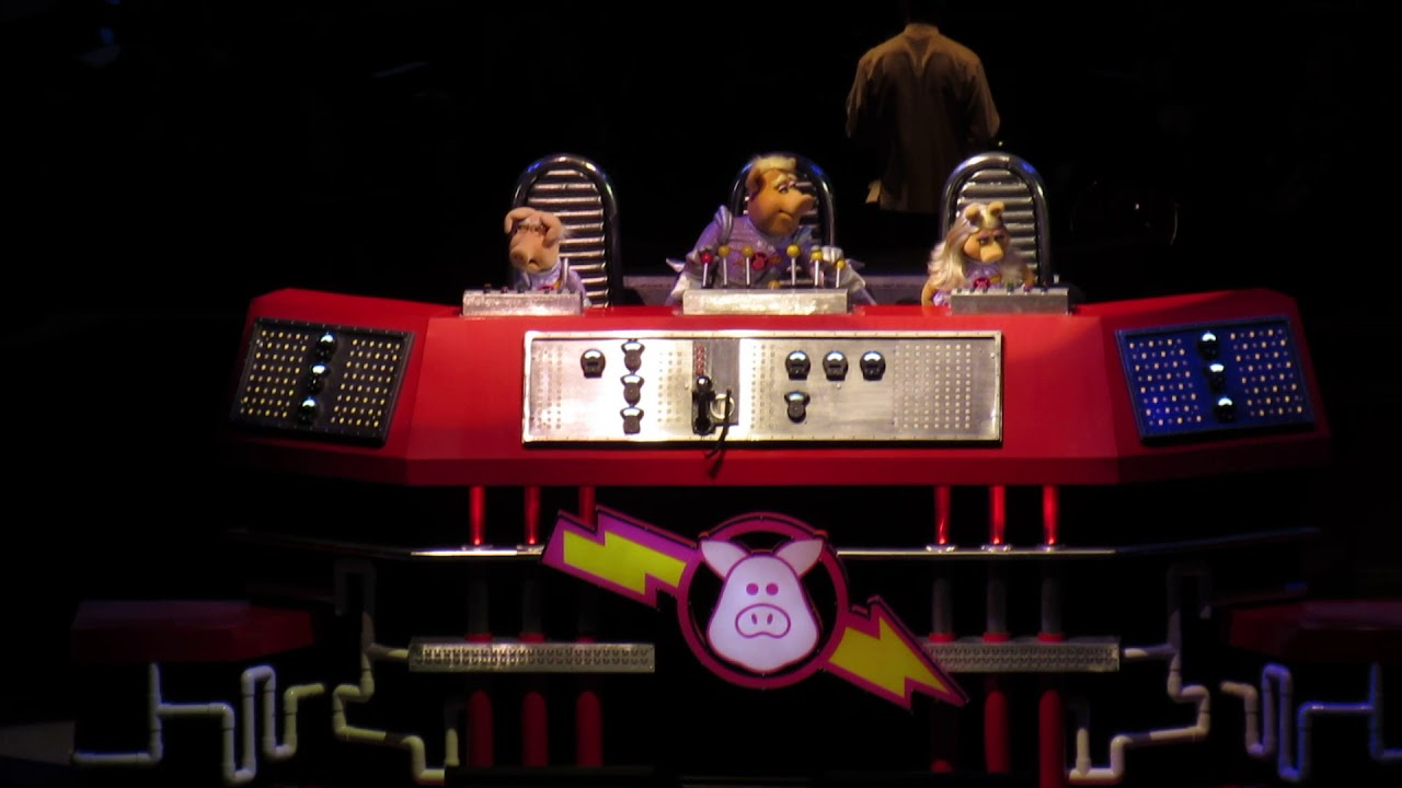 """The Muppets Take the Bowl 9/8 """"Pigs In Space"""" - YouTube"""
