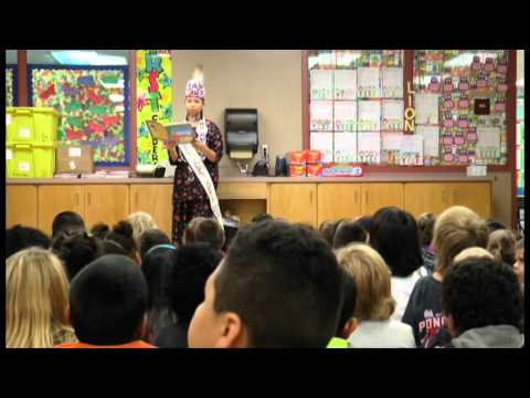 Ponca Tribal Princess Lexia Kent reads to Lincoln 1st graders