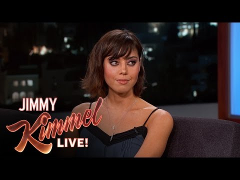 Aubrey Plaza Tried to Play with Robert DeNiro's Nipples