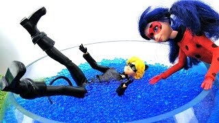 Видео для девочек - Куклы Леди Баг и Супер-Кот в дельфинарии