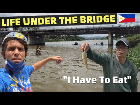 FILIPINO LIFE UNDER A BRIDGE – Fishing In The Philippines (Cagayan de Oro)