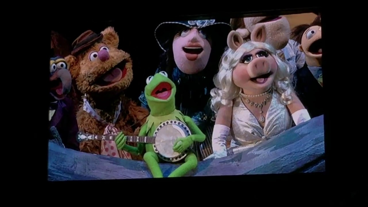Kermit the Frog Teases a Surprise Muppets 2019 Project on