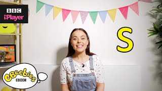"Learn letter ""s"" with Evie and Dodge 