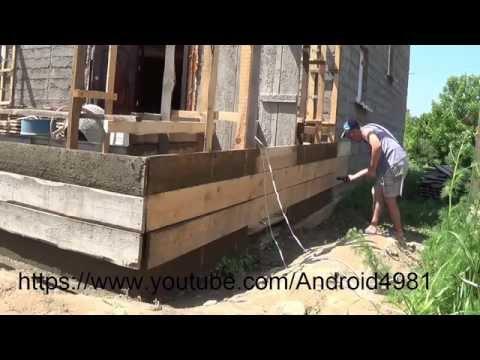 видео: Установка поперечной арматуры и перестановка опалубки в доме из Опилкобетона (Арболита) Д 4