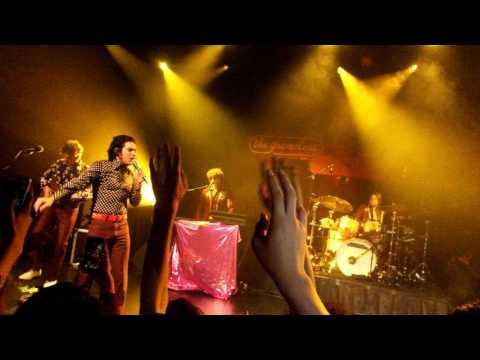 The Growlers - One Million Lovers - ( Lunario del Auditorio Nacional 04-11-16)
