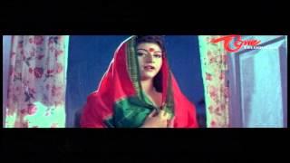 Suman Teaches How To Wear A Saree To Hot Malashri