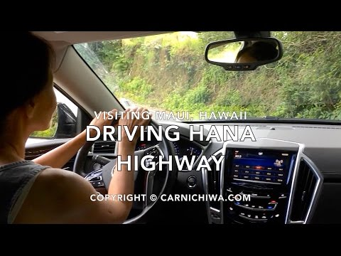 Driving Hana Highway | Maui Waterfalls | © CarNichiWa.com