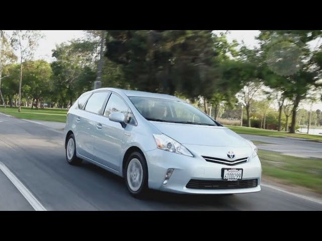2017 Toyota Prius V Video Review Kelley Blue Book