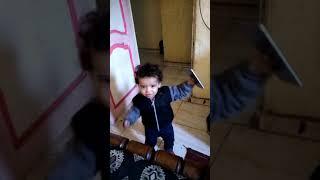 رقص ناصر على مهرجان   كارثة كارثة يا موزة يا فرسة