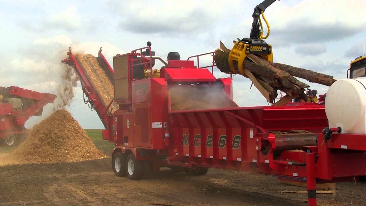 Rotochopper Mc 266 Grinding Slabwood At Demo Day 2014