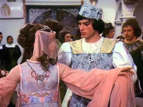 Танец принца и Золушки