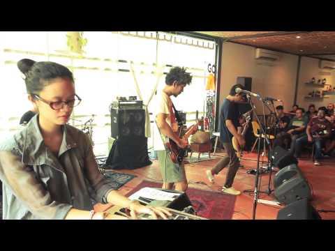 The Adams - Halo Beni (Live At Kopitiam Tan 19/04/2015)