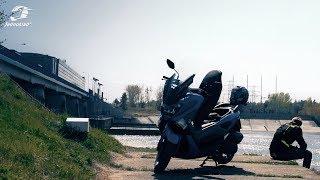 Yamaha NMAX 125: Czy skuter na prawo jazdy B nadaje się do uprawiania turystyki?