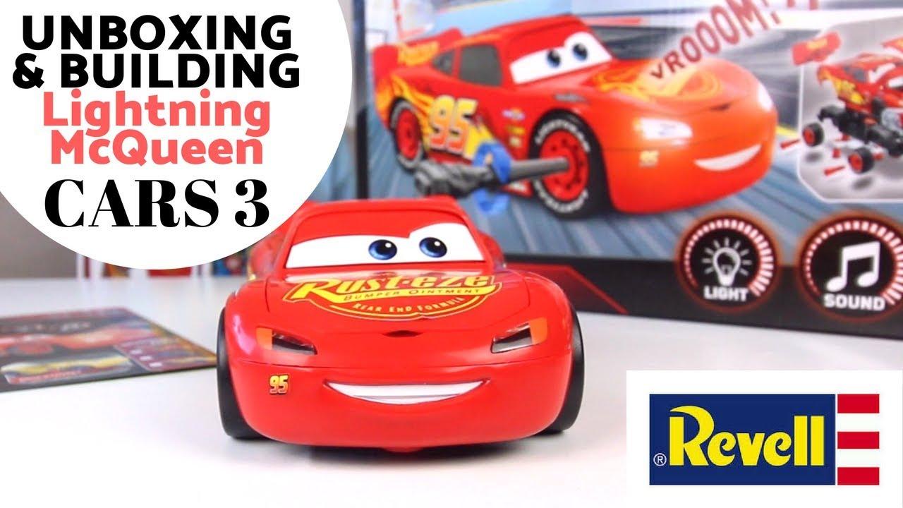 Cars 3 Saetta Lightning McQueen Junior Light /& Sound Plastic Kit Model REVELL