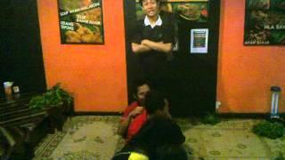 Download Video Yel Yel Waroeng Cowek Ireng 02 UNNES Sekaran Gunung Pati Semarang 01 MP3 3GP MP4
