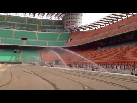 Irrigation of sand based growth medium in San Siro - Irrigazione del fondo in sabbia a San Siro